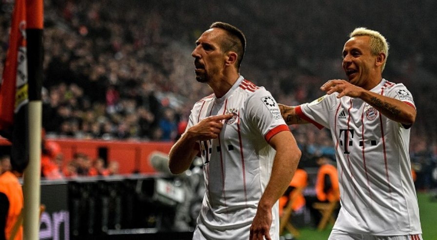 RT @iMiaSanMia: Franck Ribéry pointing to the Bayern badge while celebrating his goal  #B04FCB https://t.co/wuzvPJIO2R