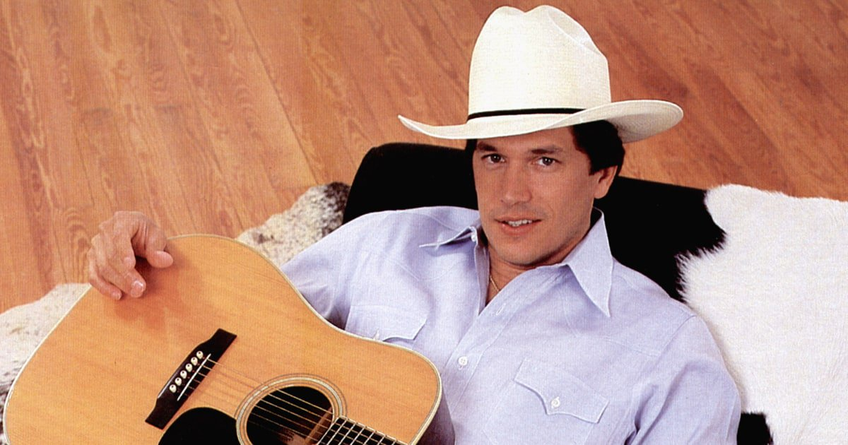 See George Strait's good-natured live performance of 'Ocean Front Property' in 1990 https://t.co/ZfKP1yQha0 https://t.co/6BNzpxzhEf