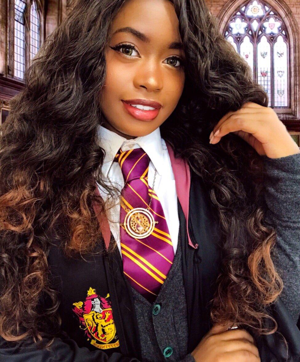 RT @bewareofghosts: so where do I apply to get into #BlackHogwarts 🤔✨ https://t.co/lde90vnzjw