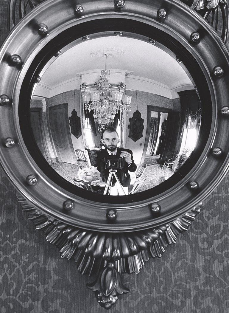 RT @ICPhotog: An Ansel Adams self-portrait! #FlashbackFriday 📷California, 1936 https://t.co/H90eHJUYb1 https://t.co/RHMU8KTAhL