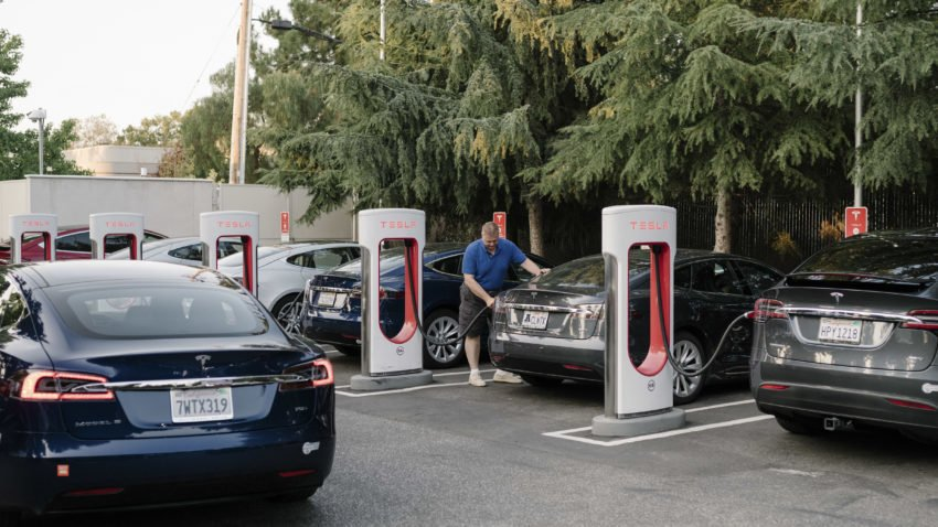 Tax subsidies perplex makers of electric cars