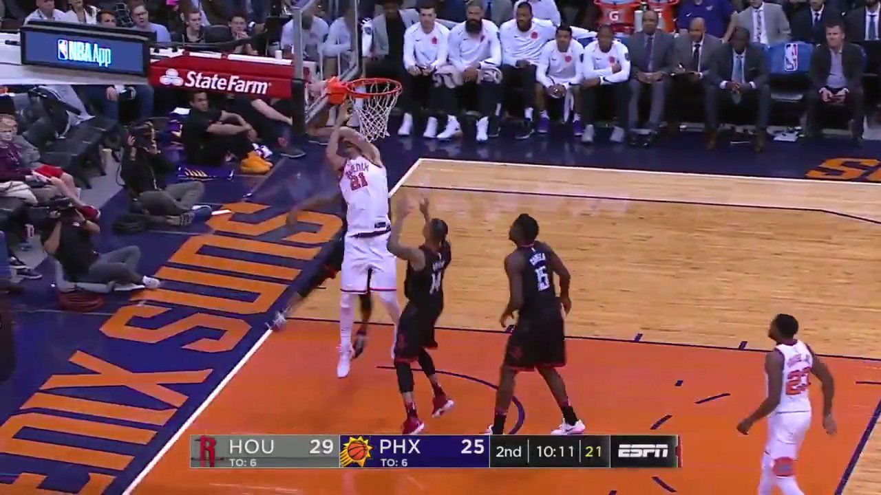 Chris Paul goes up for the rejection!  #Rockets https://t.co/7usnwXmbBg