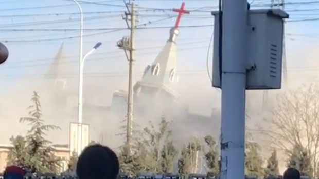 Chinese police dynamite Christian megachurch