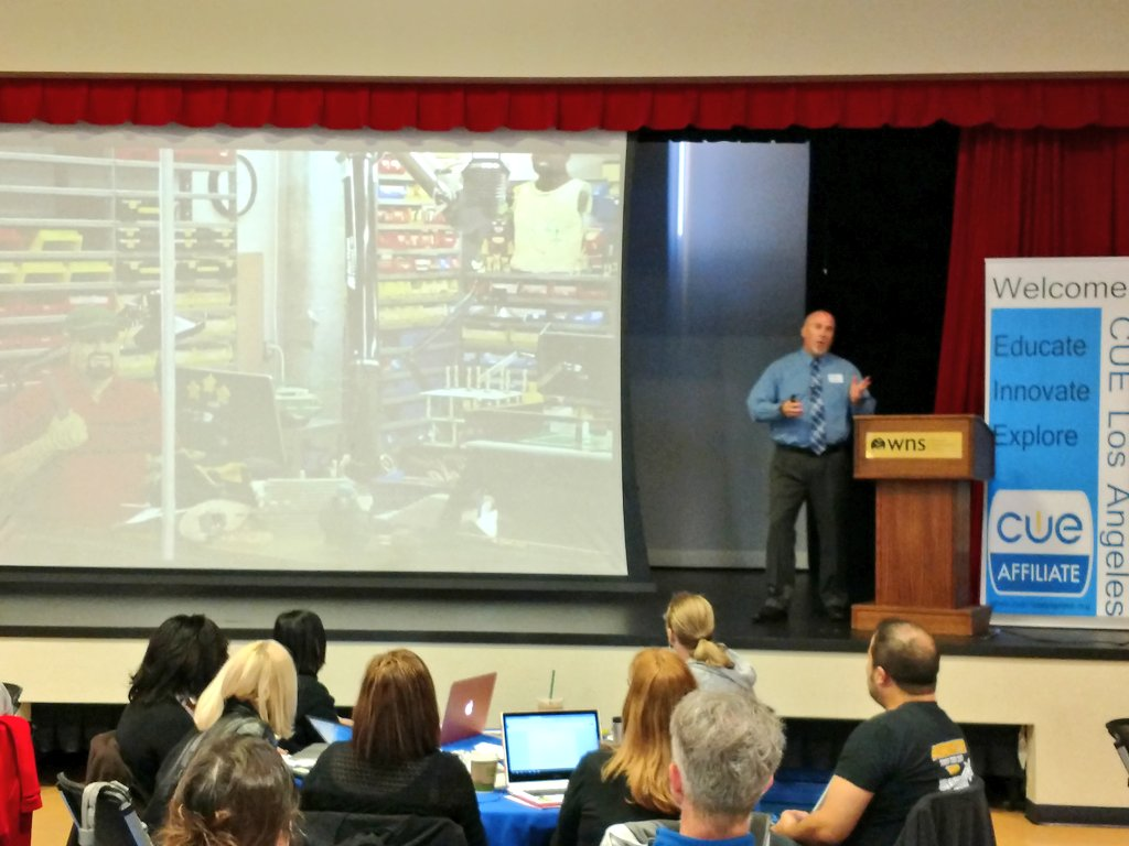 The awesome @brentcoley , the opening keynote at #cuepalooza18 #cuela #edtech #legodad https://t.co/cOmjCf5NIY