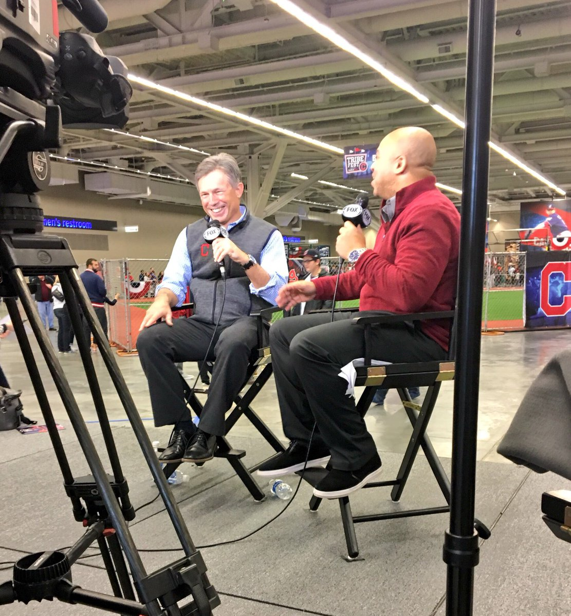 .@DreKnott and Indians owner Paul Dolan chatting on @FOXSportsOH. #TribeFest https://t.co/iQqyQDNmAG