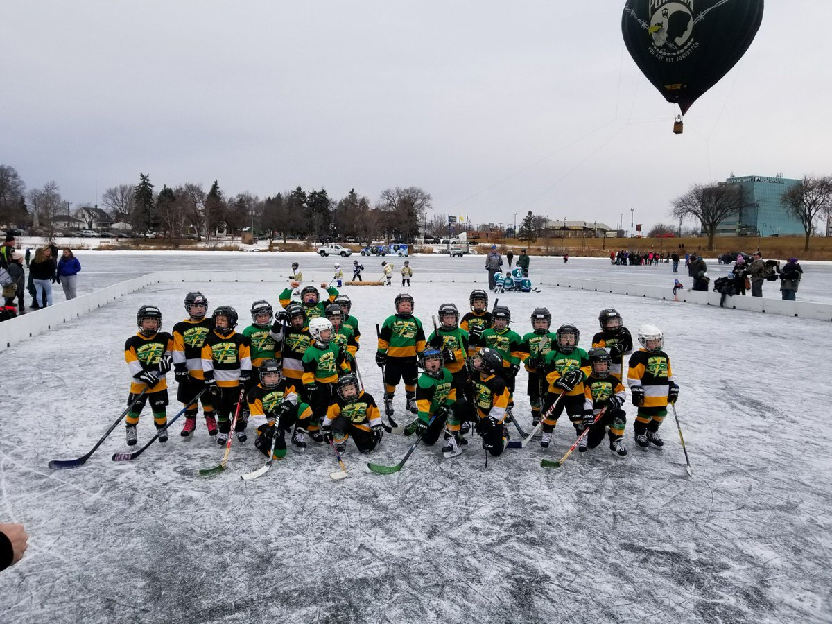 Helping the Sauk Rapids Mini-mites their #HDM2018 moment. (@ Lake George in Saint Cloud, MN) https://t.co/EN38gLjNS1 https://t.co/JNGOPloxeQ