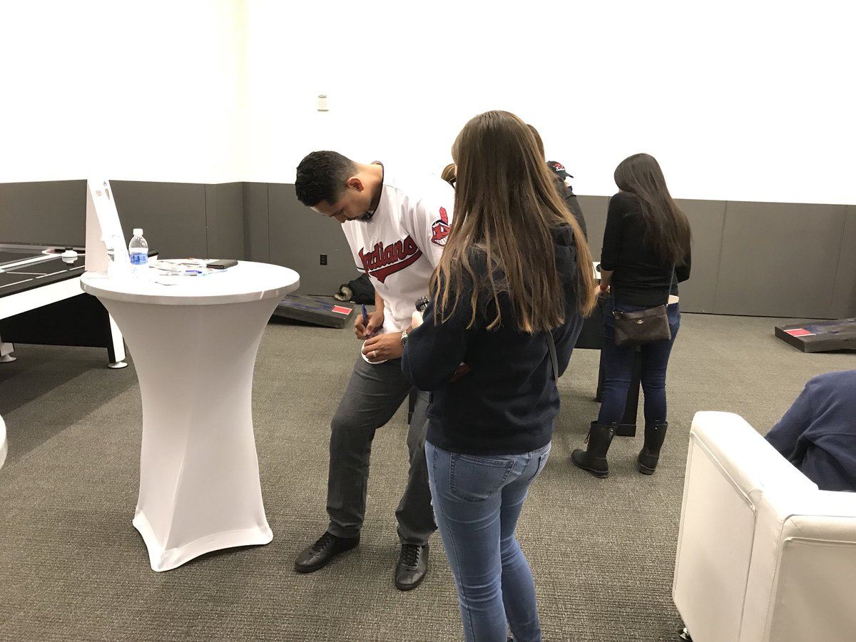 Just hanging with @Indians pitcher Carlos Carrasco in the KeyBank Lounge, NBD. #TribeFest https://t.co/SFylw7MVCK