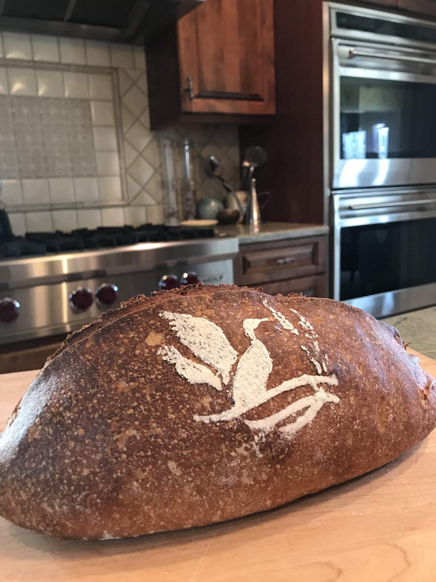 Sourdough loaf, @DUCKISLANDBREAD. Modern art. https://t.co/lYrMlffWyR