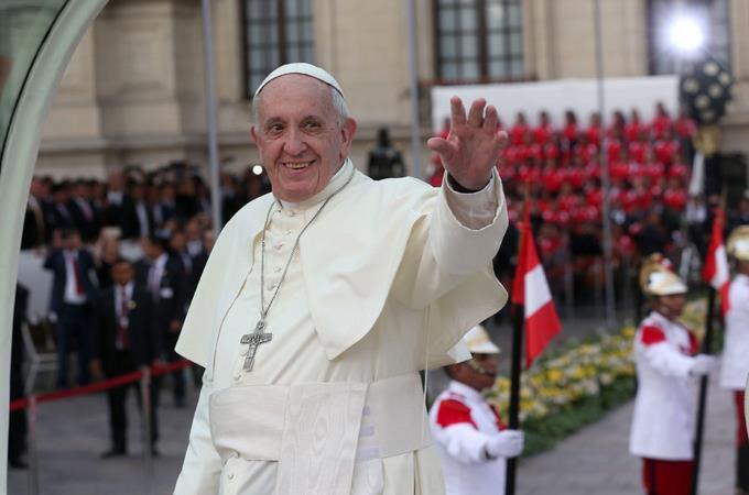 Papa: el machismo pisotea la dignidad de las mujeres https://t.co/IBzWb1TGUW https://t.co/AhmAvdEzG7