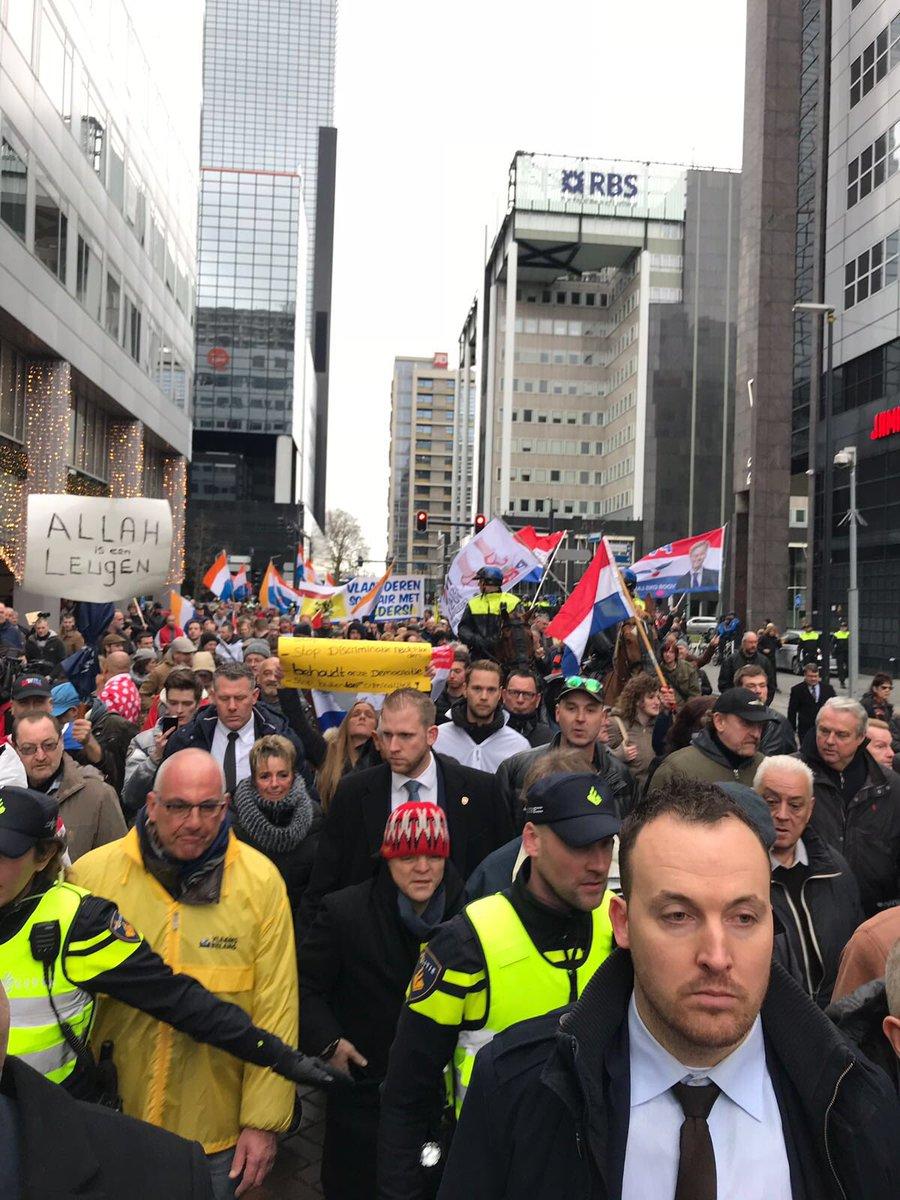 test Twitter Media - Geweldig wat een opkomst em enthousiasme in Rotterdam!!  We gaan Nederland weer terugveroveren! Het is ONS land! https://t.co/1jF4wJQ93l