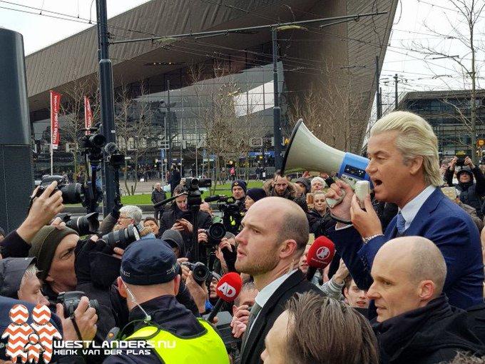 Demonstratie PVV in Rotterdam rustig verlopen https://t.co/Ypd0M7hPv8 https://t.co/Xl8y1XBxWG