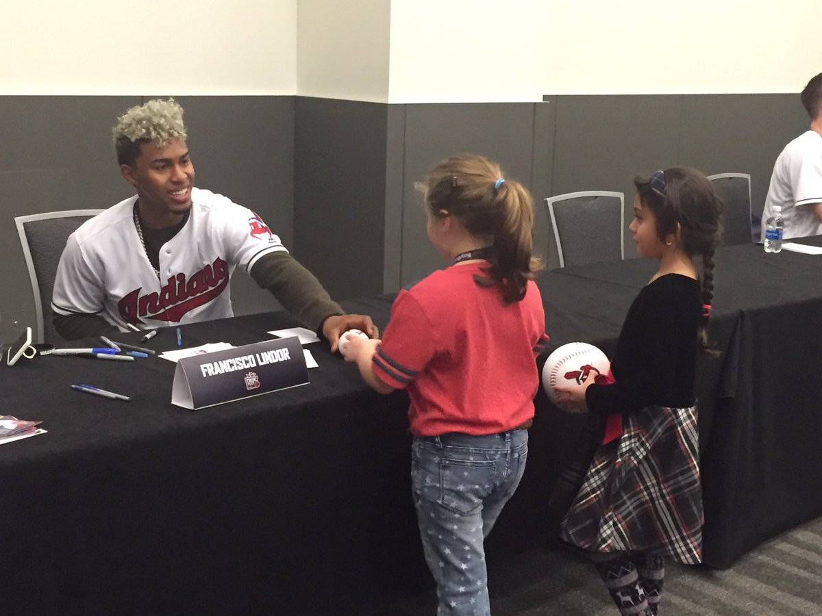 😁 #TribeFest https://t.co/T82EhD8a00