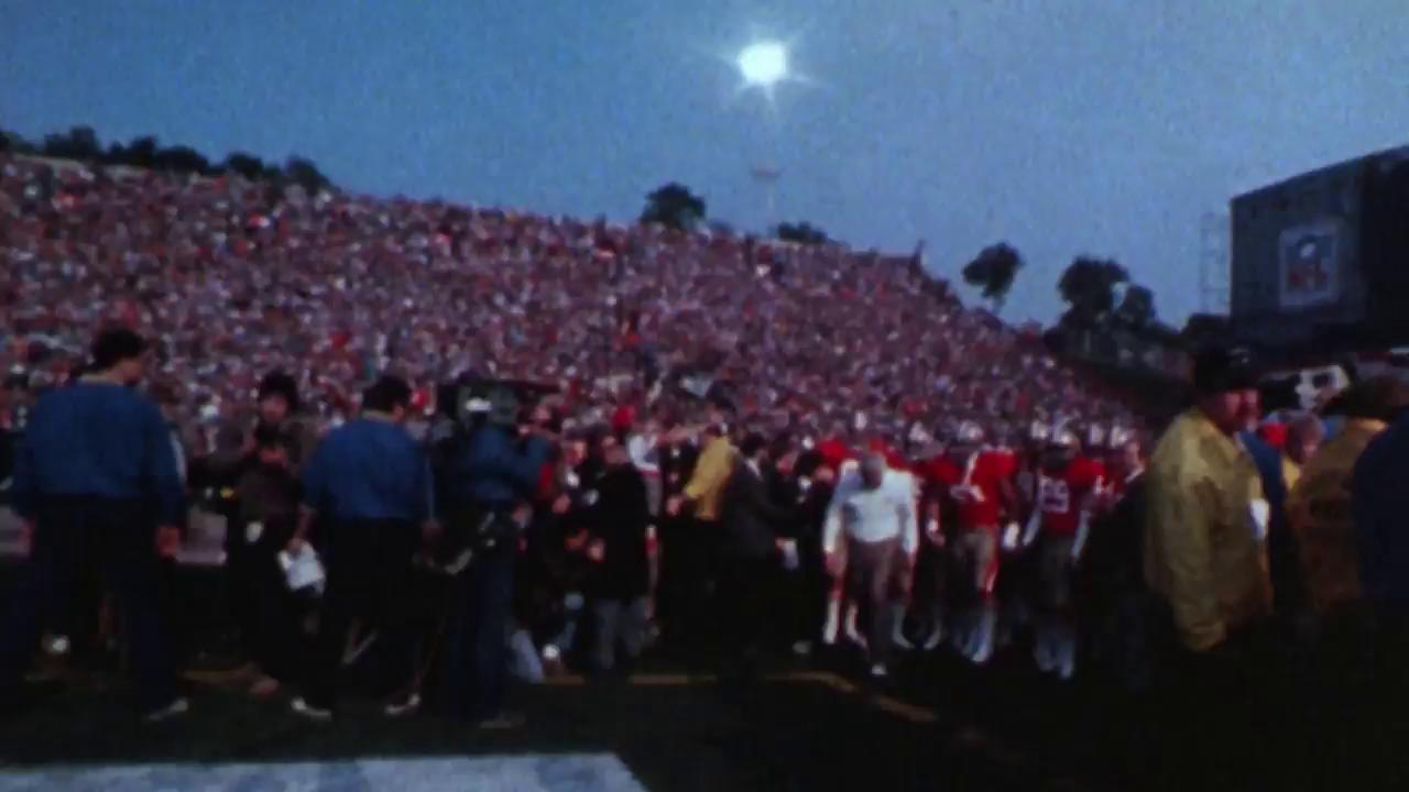 On this day in 1985, @JoeMontana and the #49ers were Super Bowl champions (again). https://t.co/ADbzV2mGL9