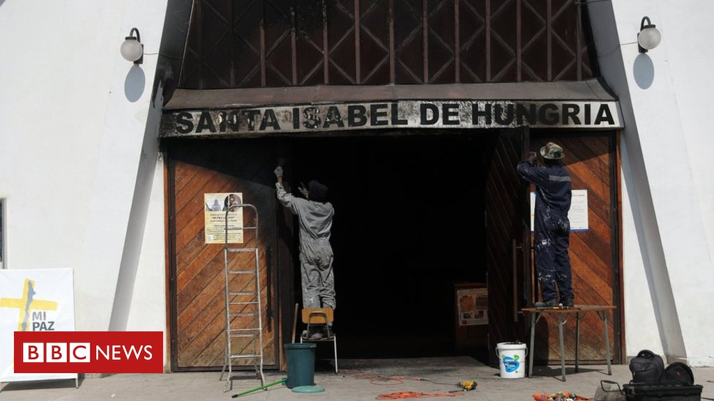 Chile churches attacked before Pope Francis visit