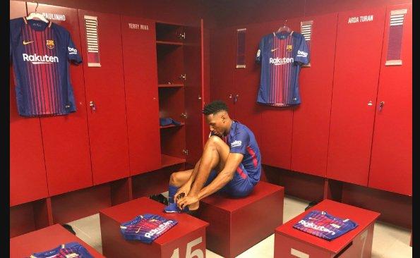 """""""Con los pies en la tierra y los ojos en el cielo"""", Yerry Mina fue presentado por Barcelona https://t.co/x3QCv08Oly https://t.co/YSYgHhy20t"""