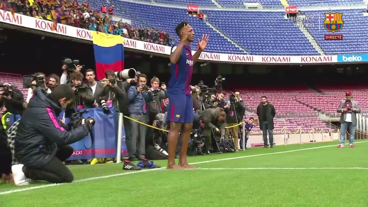 Benvingut al Camp Nou, Yerry Mina! ���� #BeBarça #ForçaBarça https://t.co/wOEPDwPkfo