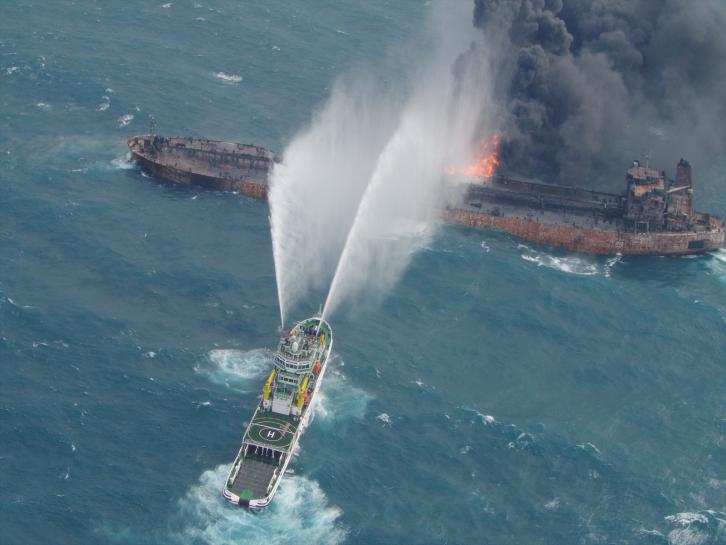 Chinese salvagers recover two bodies from flaming Iranian tanker https://t.co/6IbaRxOOU7 https://t.co/HQkdZDBJjB