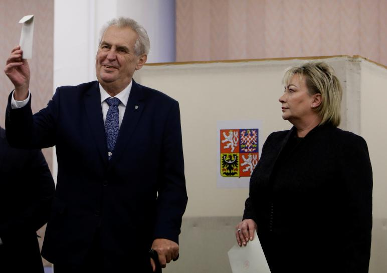 Incumbent Zeman leads Czech presidential vote: partial results