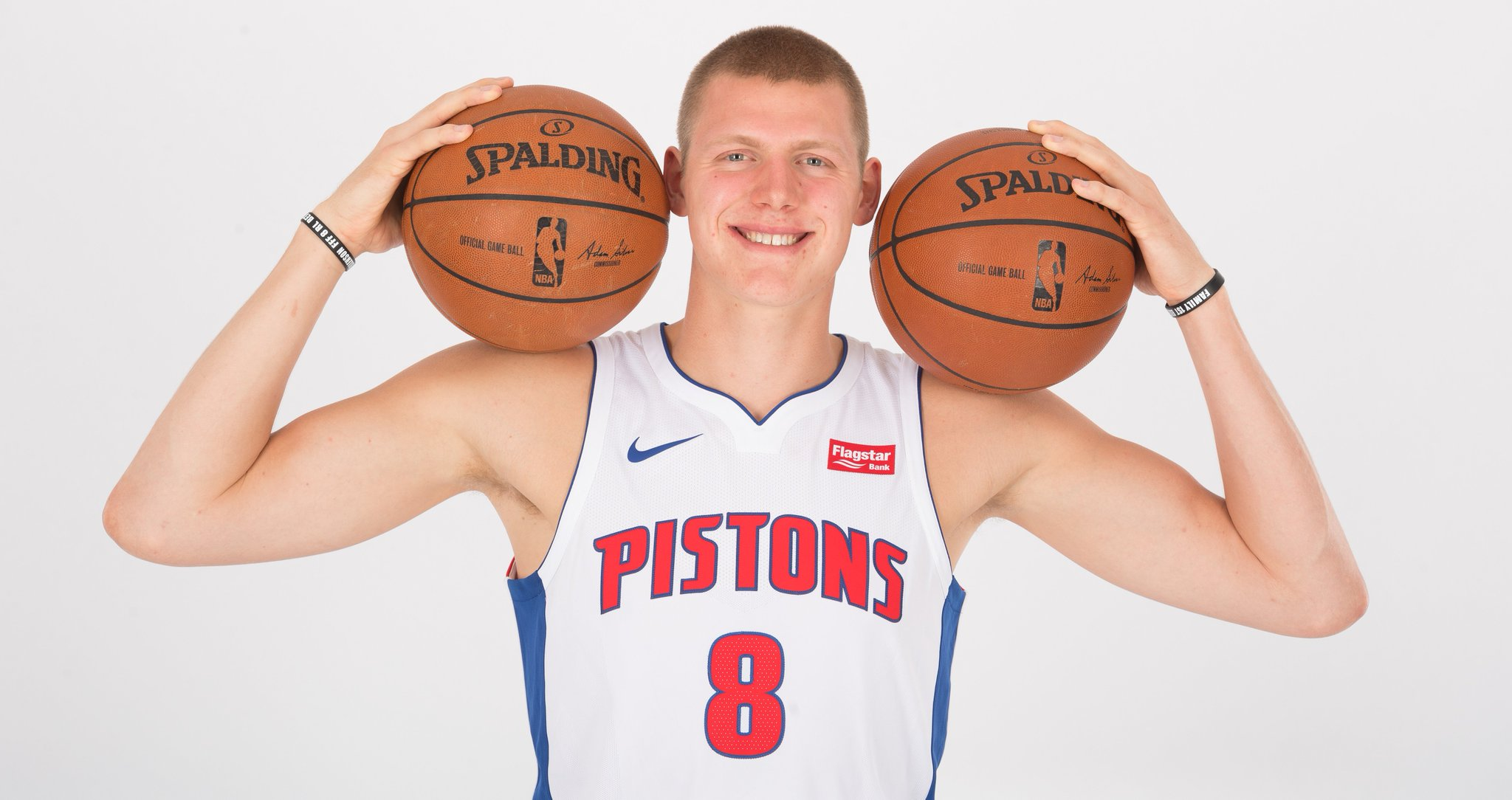 Join us in wishing @HenryEllenson13 of the @DetroitPistons a HAPPY 21st BIRTHDAY!  #NBABDAY #DetroitBasketball https://t.co/VSGwMsqRFk