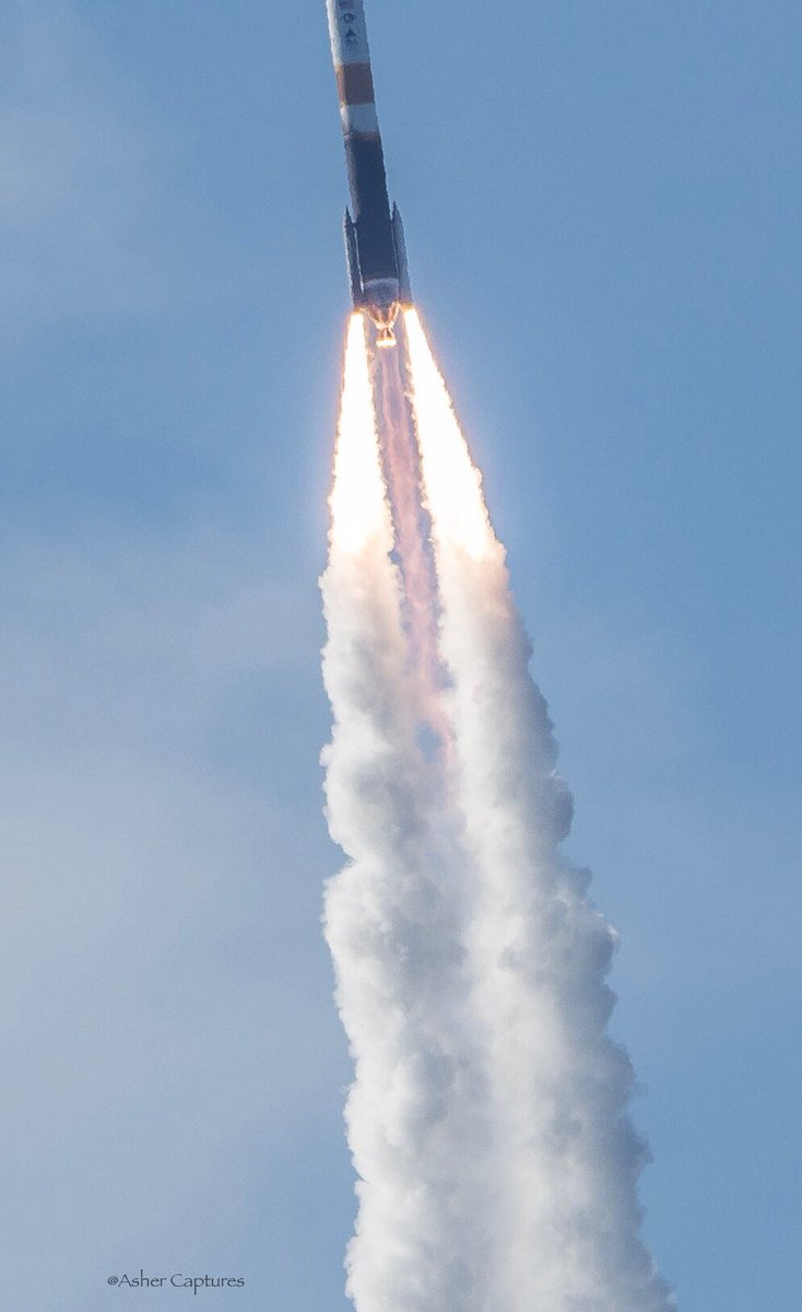 Another from yesterday's launch @ulalaunch #DeltaIV carrying #NROL47 classified satellite. https://t.co/yIIokvjmqC