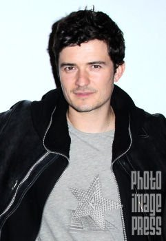 Happy Birthday Wishes going out to Orlando Bloom!!!