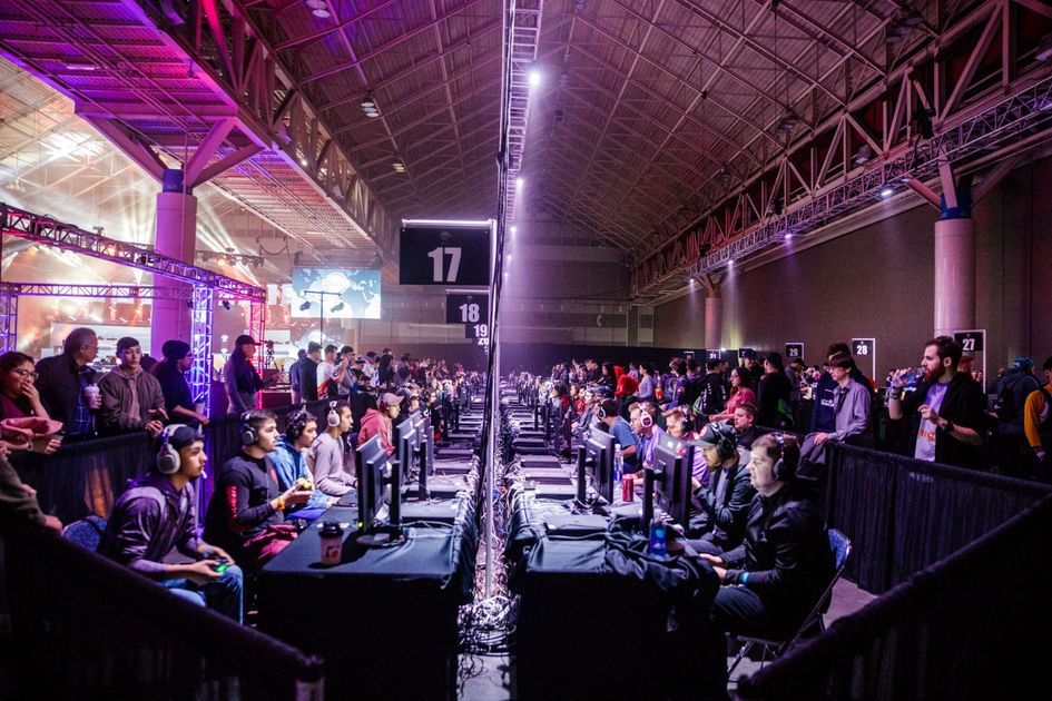 Answering the Call: Competitive gamers descend on New Orleans for Call of Duty tournament