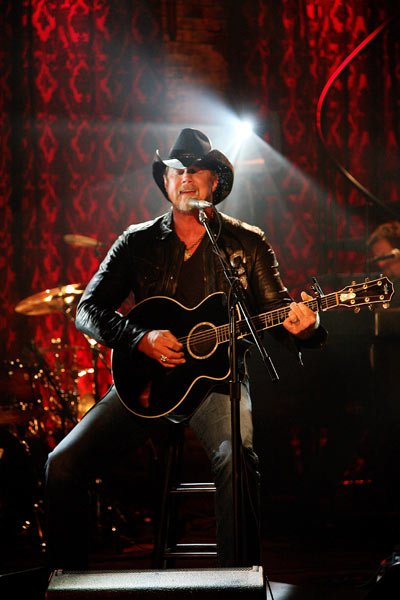 Happy Birthday to Trace Adkins who turns 58 today!