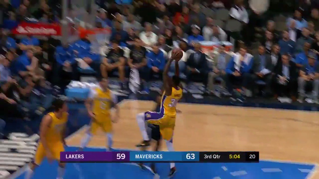 Julius Randle completes the #LakeShow fast break! https://t.co/0HxjpzSaUj