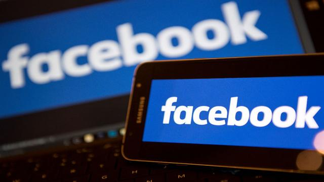 NEW: Media braces for changes to Facebook's news feed https://t.co/Xz8q6UBUpW https://t.co/Me1Xd0vlyT