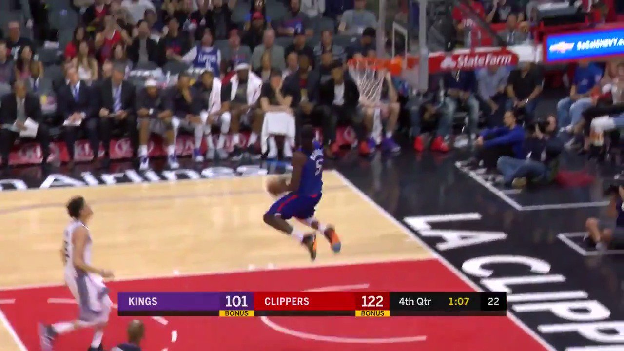 Montrezl Harrell puts the exclamation point on the @LAClippers win!  #ItTakesEverything https://t.co/dNR6Wy5Tk2