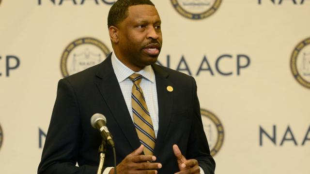 NAACP president: We know Trump is racist https://t.co/pAz590R2YM https://t.co/LbntwdtnBr