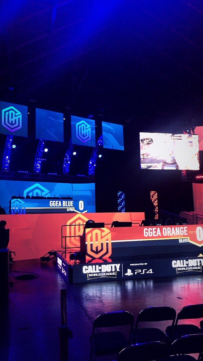 GGEA BLUE & ORANGE both currently playing on main stage! https://t.co/2sh1PBn7pi