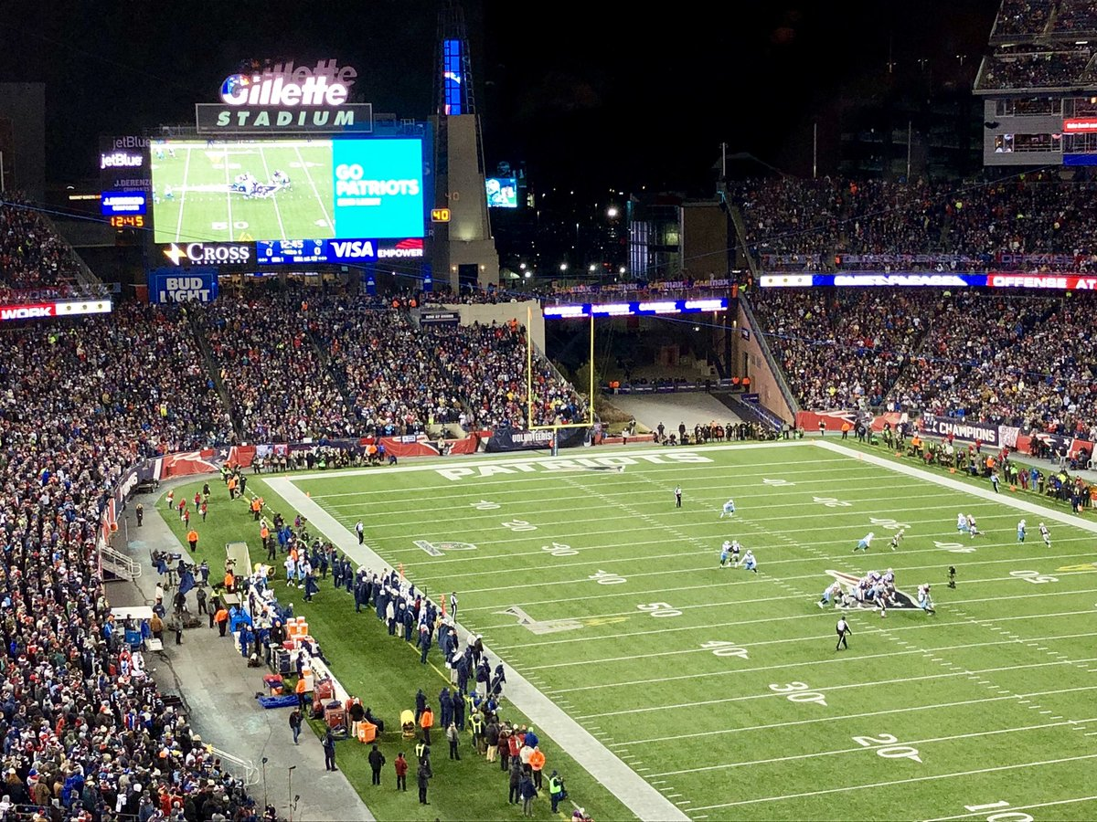 "A truly ""titanic"" matchup. #Patriots #TENvsNE #NFLPlayoffs 🏈 https://t.co/Q8Upu4jrAY"