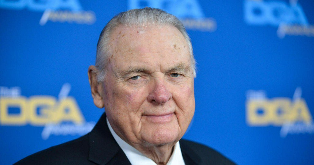 Keith Jackson, legendary college football announcer, has died at 89