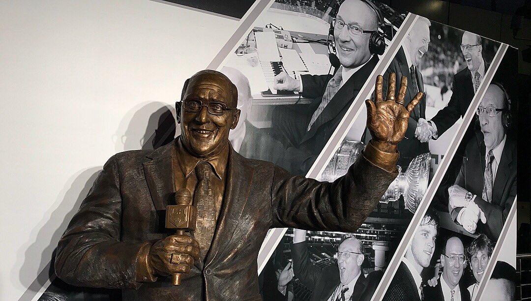 Banner & Statue #BobMillerCelebrationDay #GoKingsGo https://t.co/aNWb7j7WvO
