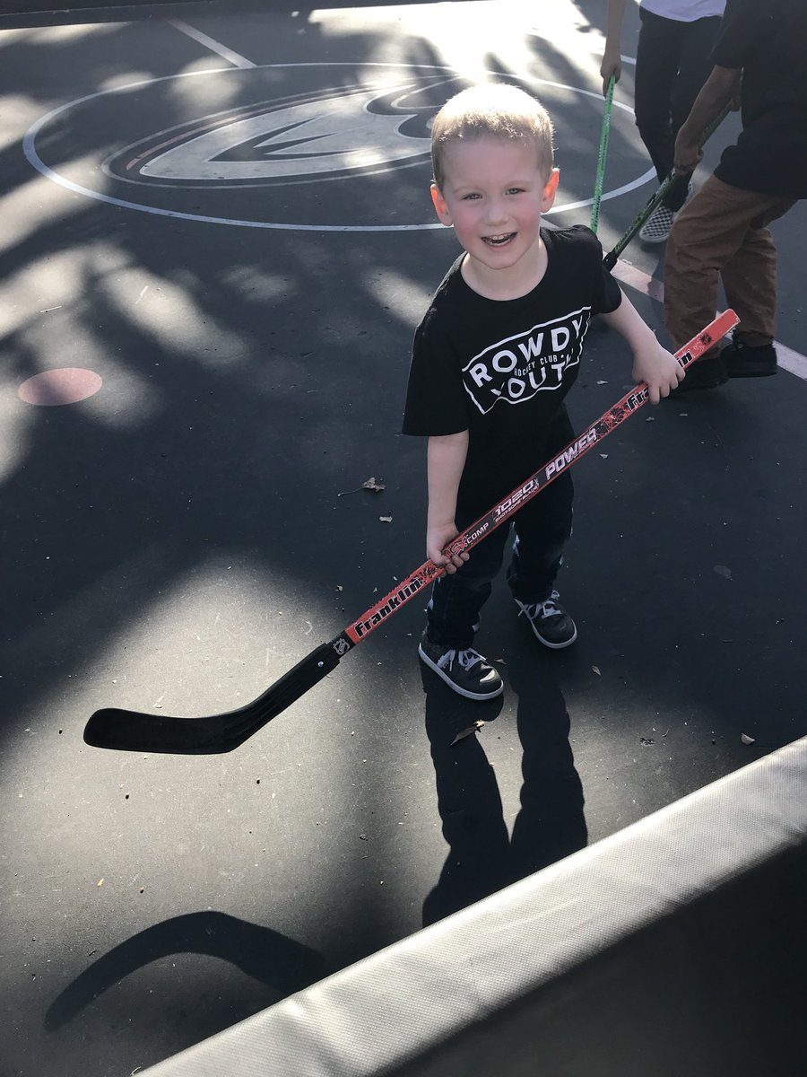 RT @iamparnelli11: Great day at the Rinks!  #LetsGoDucks #HDSoCal2018  @TheRinksAI @AnaheimDucks https://t.co/ZuefUtxwNM