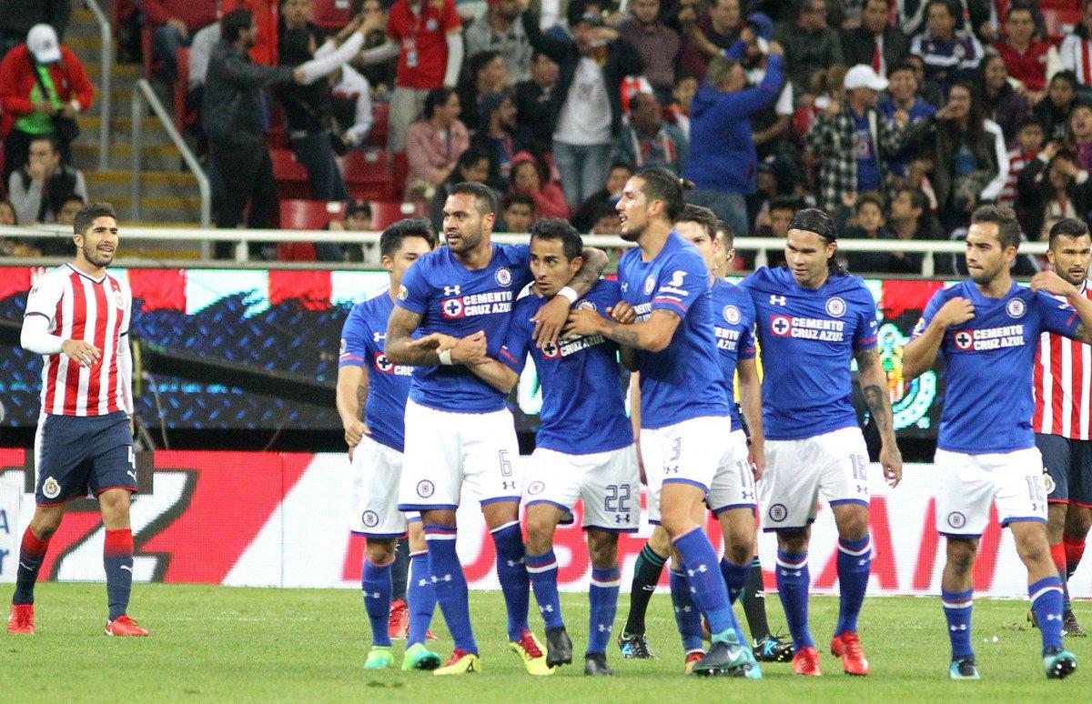 Cruz Azul vence a Chivas 3-1 https://t.co/TRkoGETlbZ #Deportes https://t.co/MH56NjCtWo