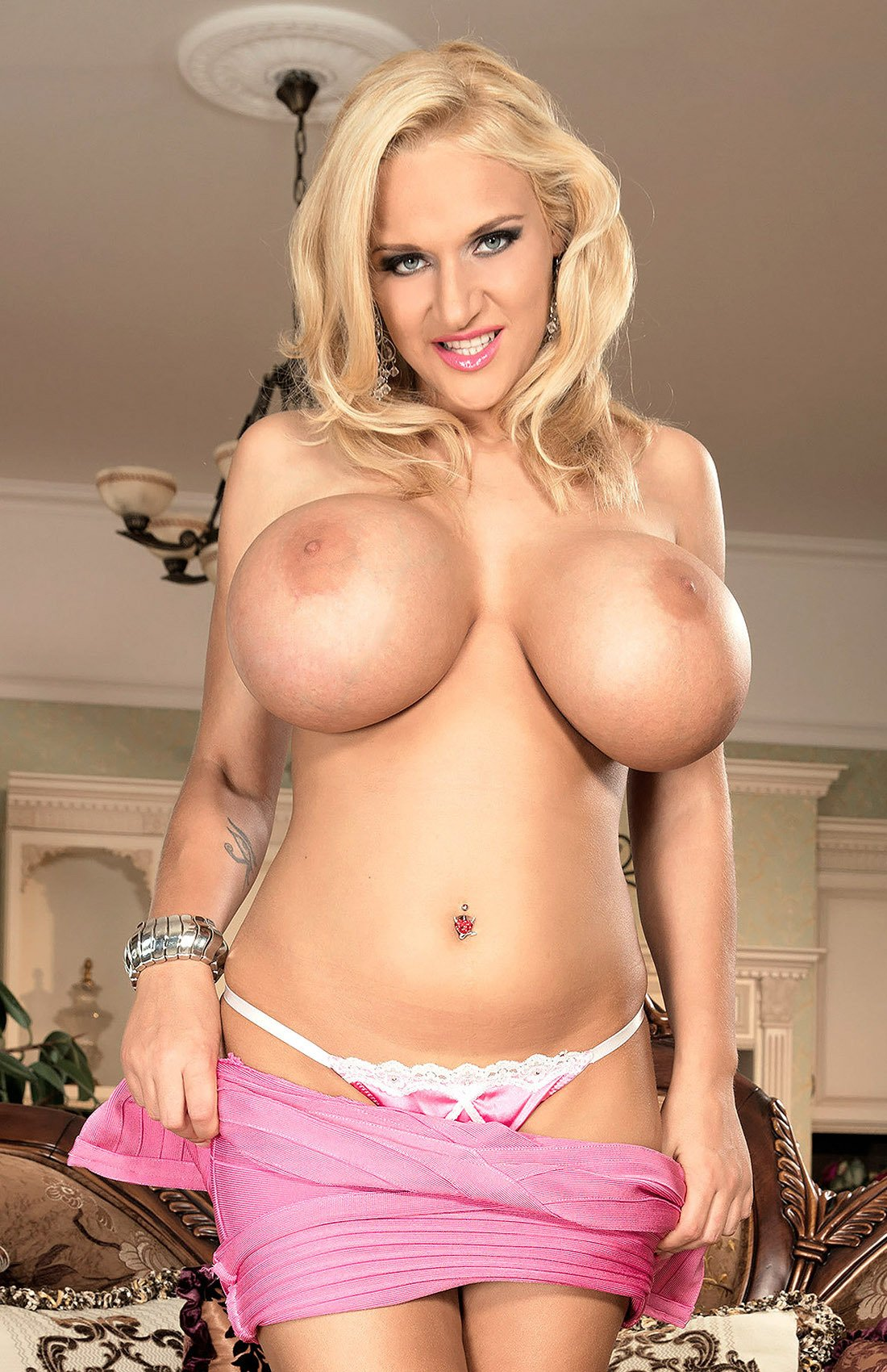RT @IKPromotion: Check out @RealDollyFox and her double delights. https://t.co/sMosp9PjSt