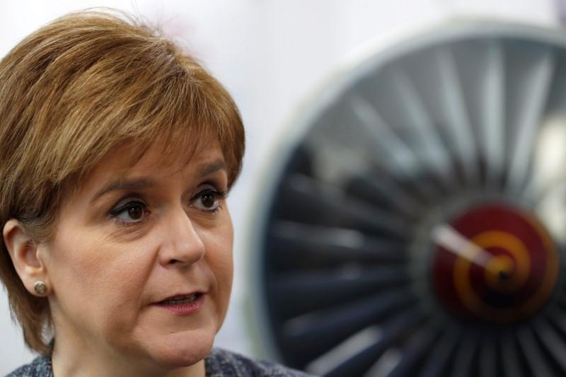 Scottish leader says will look at independence vote by end of year https://t.co/rzkV7w3Ayg https://t.co/iui0qKmOkV