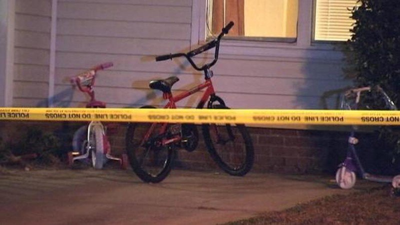 2 children, mother dead in apparent homicide-suicide