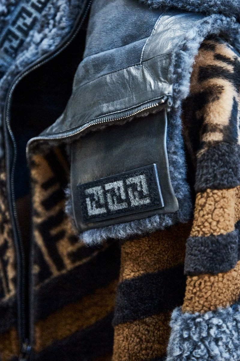 Details from the #FendiFW18 collection, designed by Creative Director Silvia Venturini Fendi. https://t.co/CTS2cFo8tr