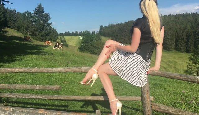 In High Heels in den Bergen Movie: 3erlWLkFB9 #Katyadeluxe #Heels #Bergen