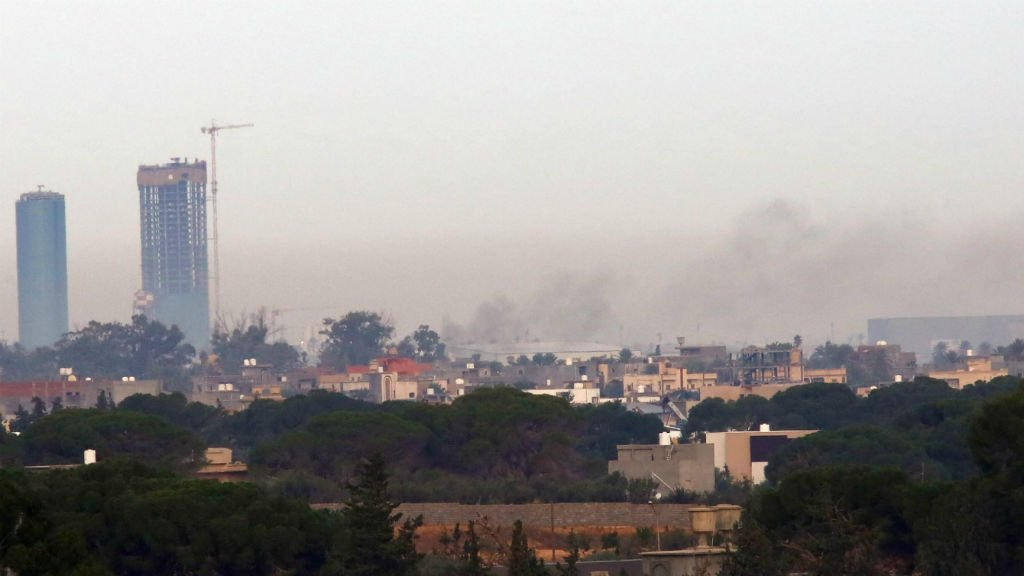 Bloody clashes shut Libya's main international airport
