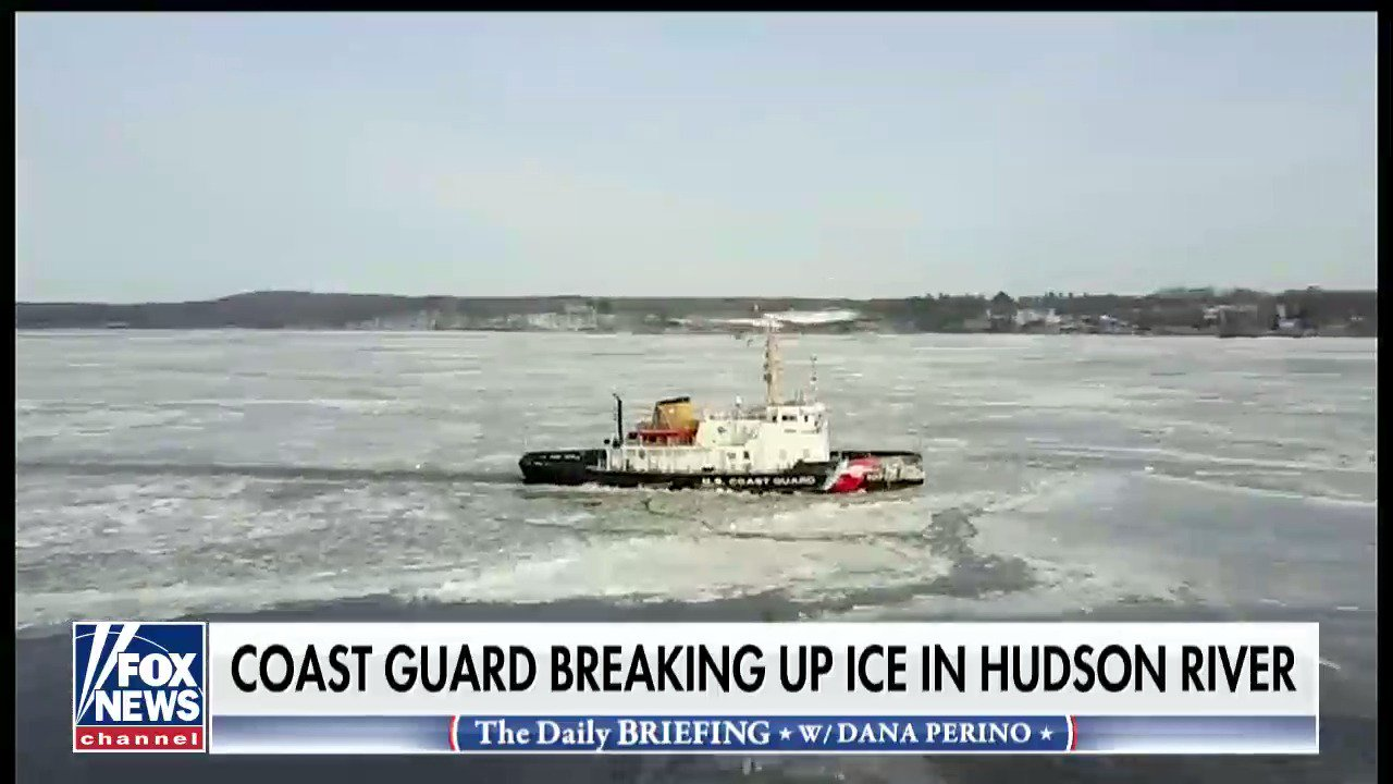 Coast Guard breaking up ice on the Hudson River, @RickLeventhal reports #DailyBriefing https://t.co/xu2sOObk19