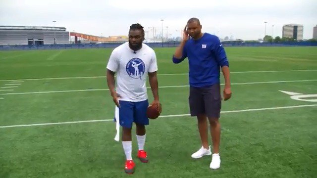 2x Pro Bowler @TheHumble_21 shows off his best moves! https://t.co/rwLKWLRVjE