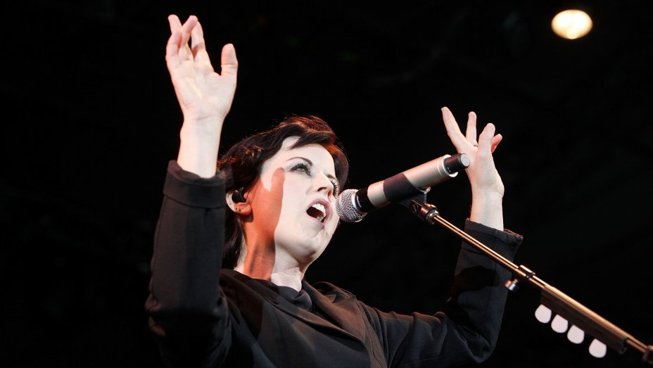 Cranberries singer Dolores O'Riordan dies at 46 https://t.co/Iu3NepOihL https://t.co/ikZRxTOyEk