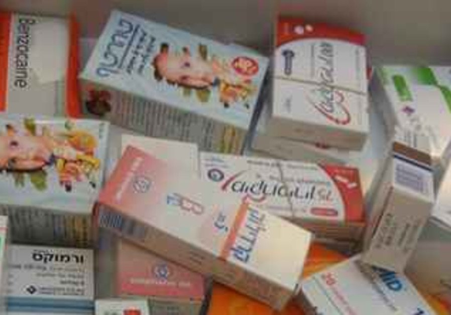 Improper dealings between drug companies and doctors criticized