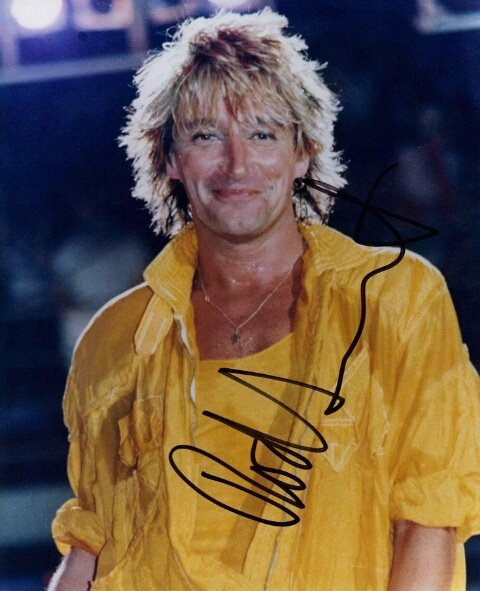 happy belated birthday to Sir Rod Stewart! Beautiful then, beautiful now!