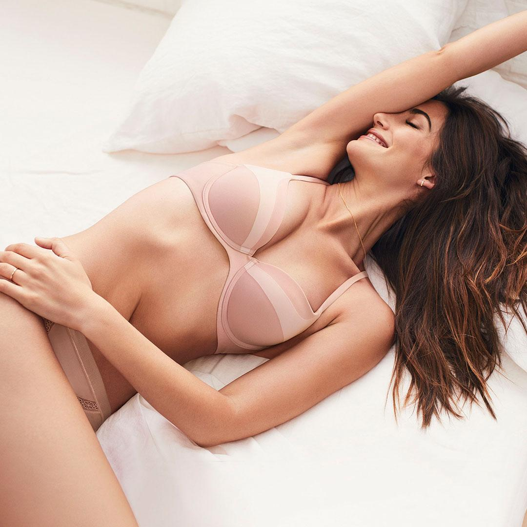 New favorite color. Same favorite bra. Check out the latest Body by Victoria: https://t.co/aWCIfhnfWk https://t.co/lKjcmOnK9Q