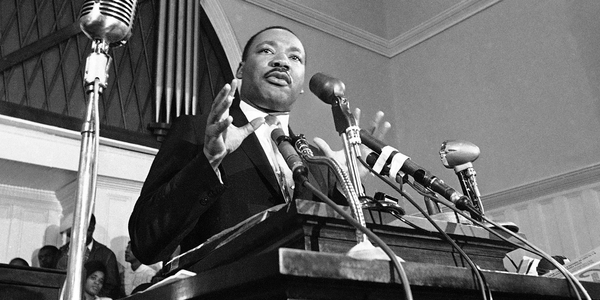 Players pay tribute to Dr. Martin Luther King Jr. https://t.co/Bfs8a8223N #MLK https://t.co/KxUpZT45wn